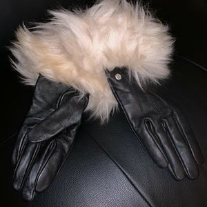 UGG Accessories - UGG Women's Toscana Shearling Black Leather Gloves